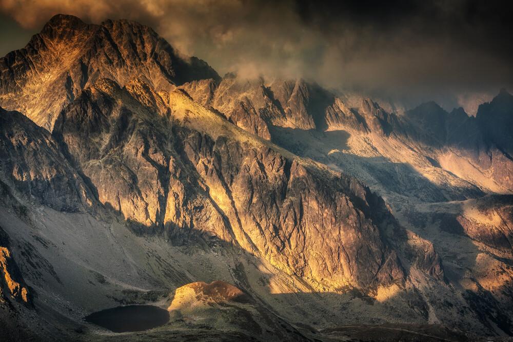 Gebirgslandschaft in der Hohen Tatra - fotokunst von Mikolaj Gospodarek