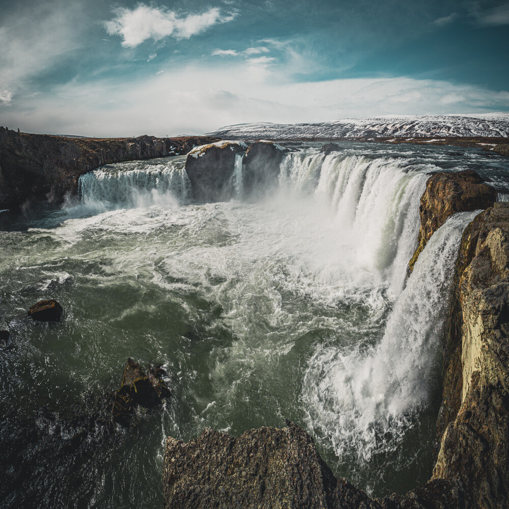 Goðafoss - Wasserfall der Götter - fotokunst von Franz Sussbauer