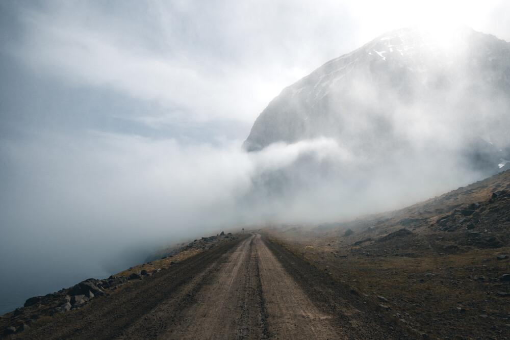 Foggy Road - fotokunst von Philipp Pablitschko