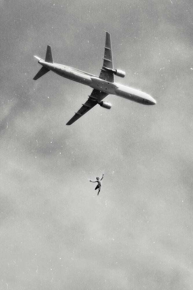 Falling - Fineart photography by Jonas Loose