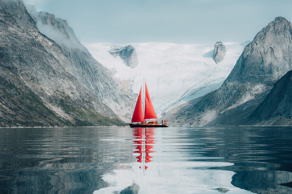 Under Red Sails - Fineart photography by Lennart Pagel