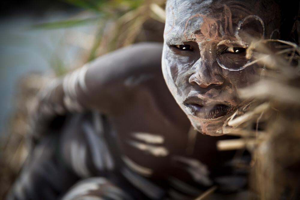 Suri Boy - fotokunst von Miro May