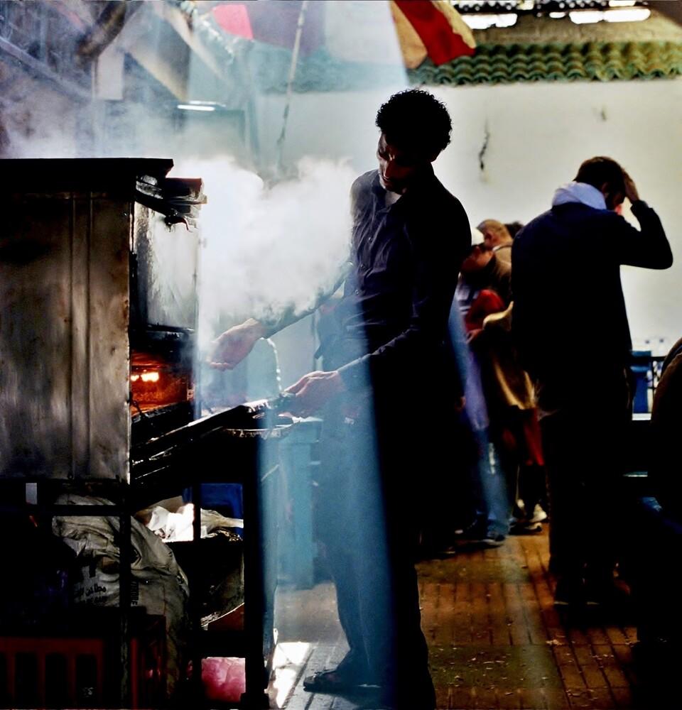 Cooking with steam - fotokunst von Juan Urgelles