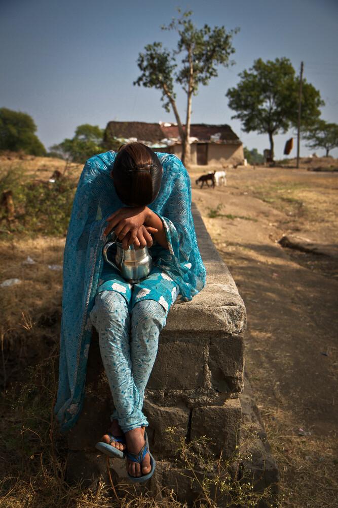 Das schüchterne Mädchen - fotokunst von Miro May