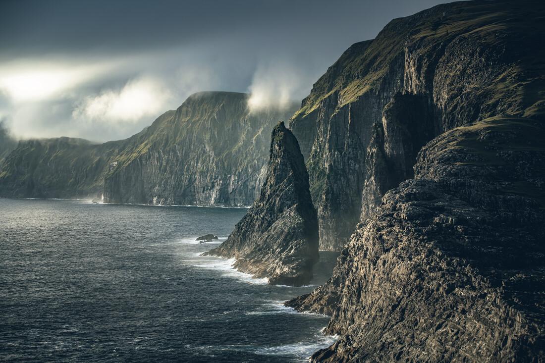 Kliffpfeiler - Geituskorardrangur und Steilküste - fotokunst von Franz Sussbauer