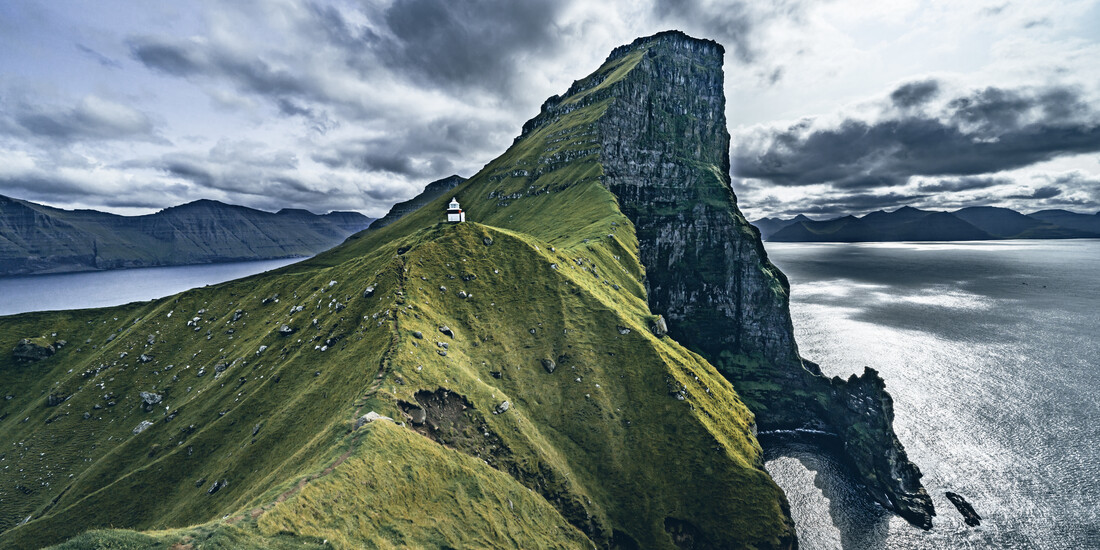 Lighthouse Kallur at the cliffs of Kalsoy - Fineart photography by Franz Sussbauer