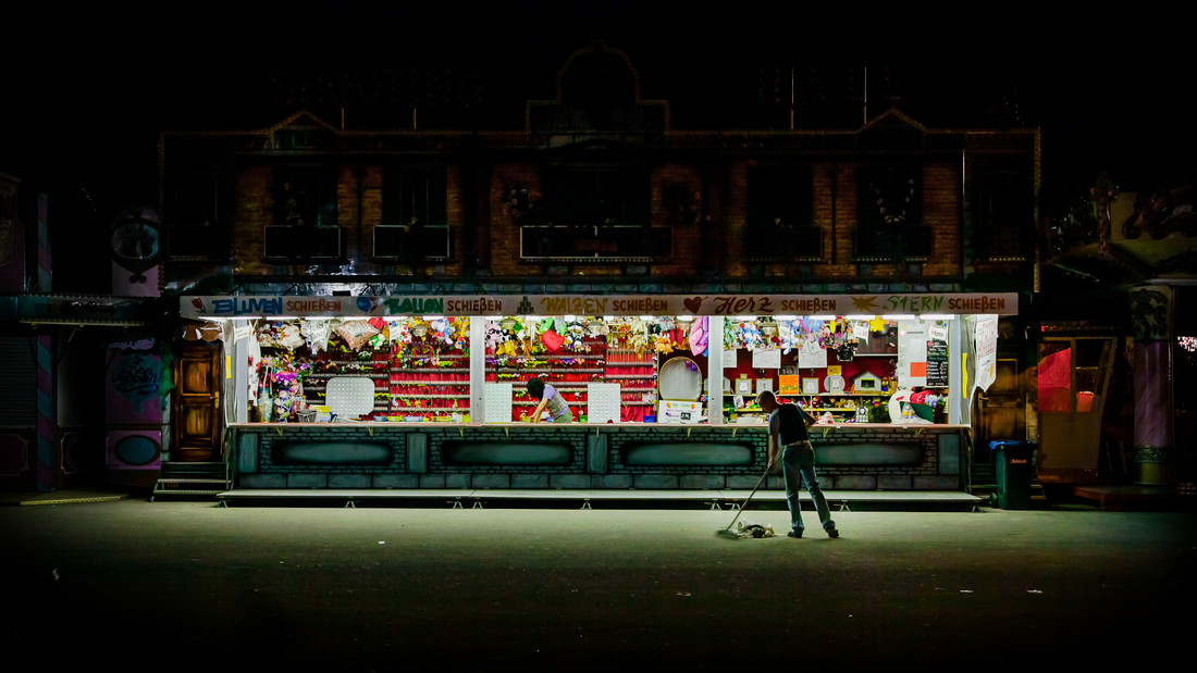 RUMMEL Shooting Hall - fotokunst von Christoph Kalck