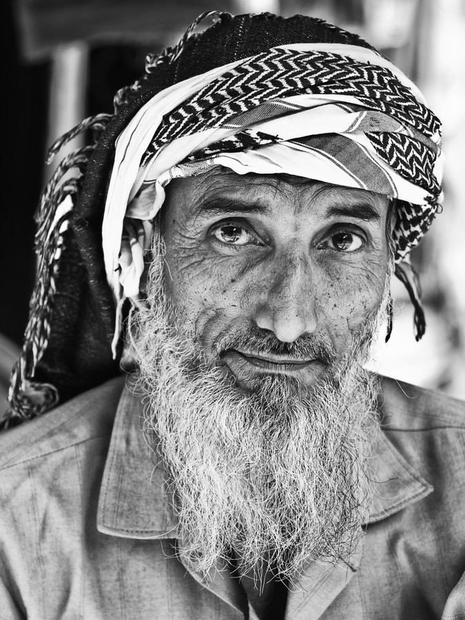curious eyes of Ahmad Khan - fotokunst von Jagdev Singh