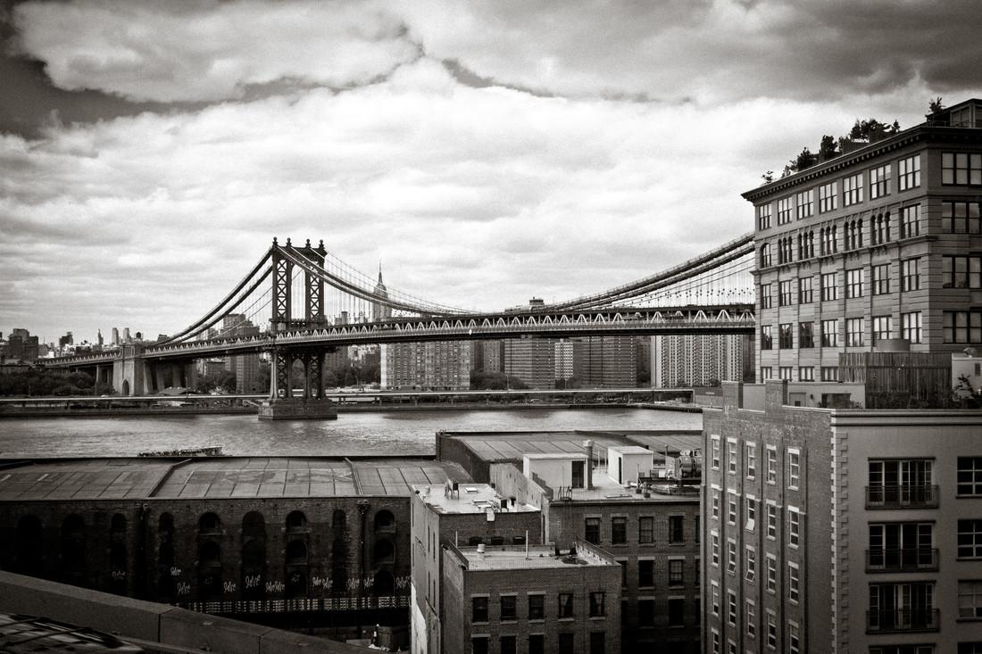 Manhattan Bridge - fotokunst von Tim Bendixen