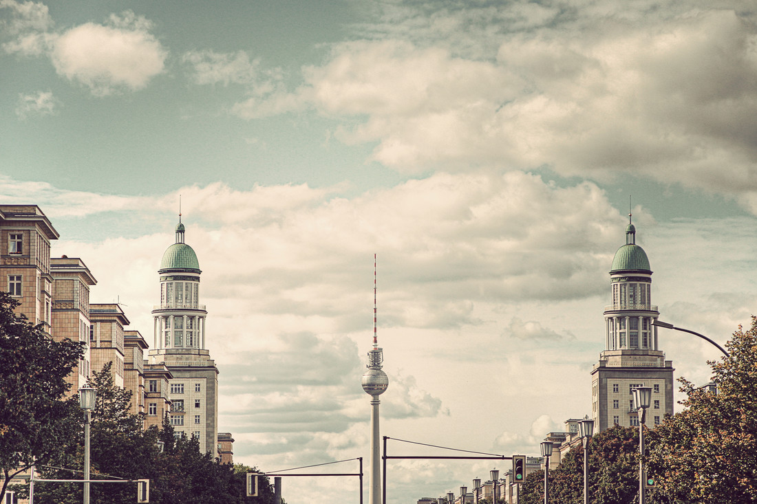 Frankfurter Tor - fotokunst von Michael Belhadi