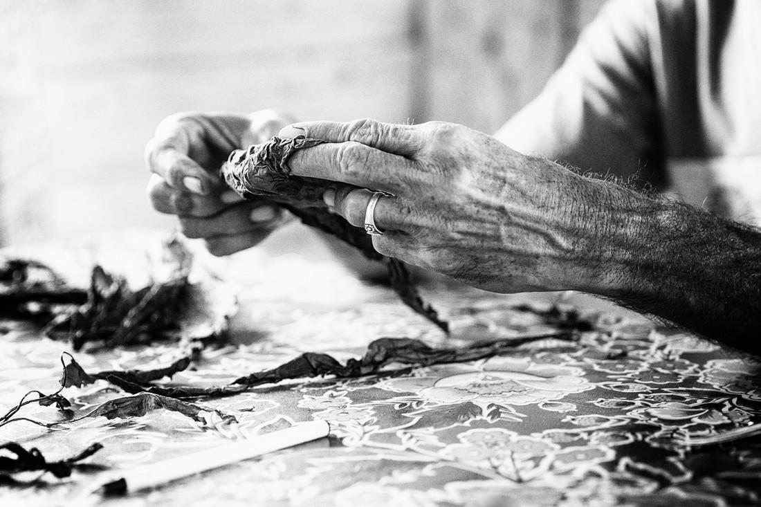 cigar making (2) - fotokunst von Eva Stadler