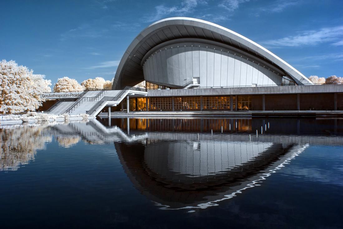 Kongresshalle - fotokunst von Holger Nimtz