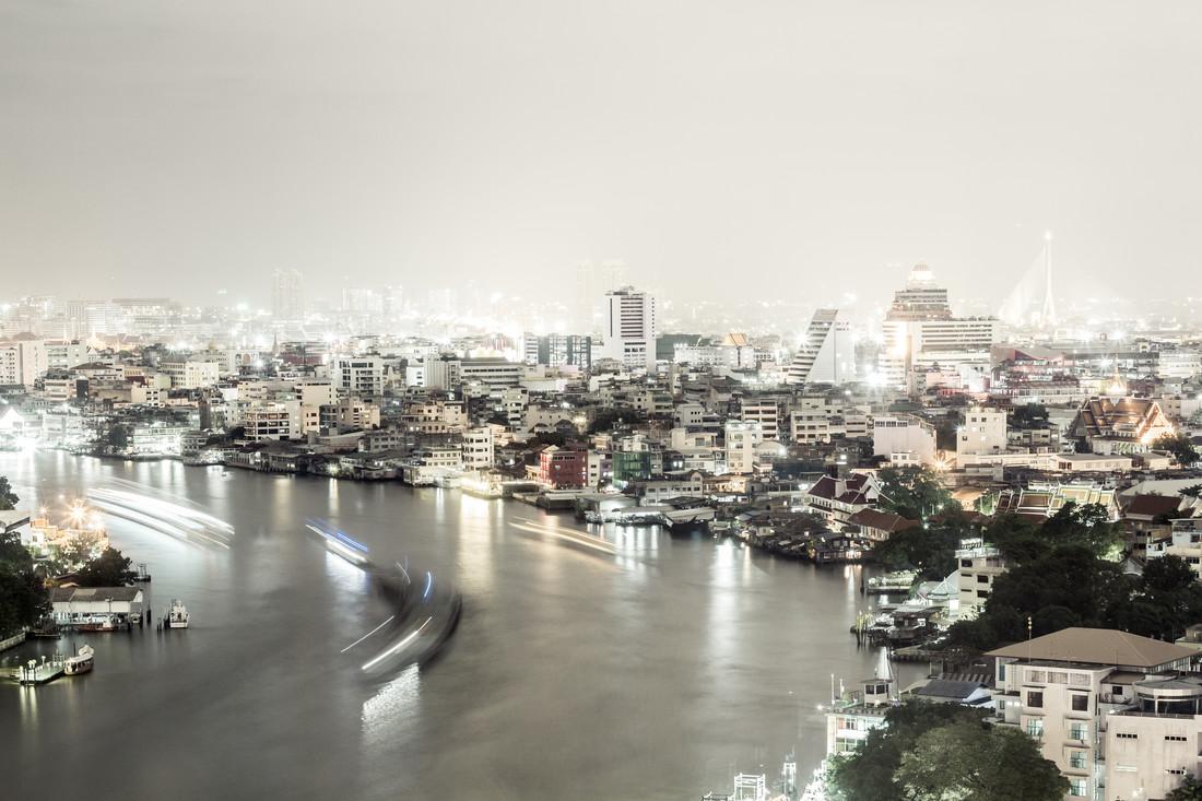 Bangkoks Nächte - fotokunst von Roman Becker