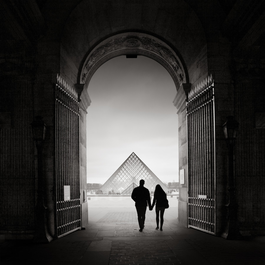 La pyramide du Louvre - Fineart photography by Ronny Behnert