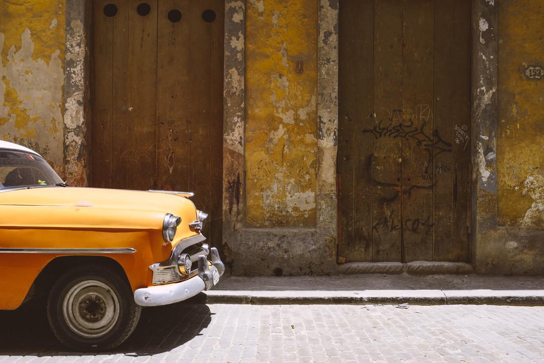 yellow car - fotokunst von Thomas Laue