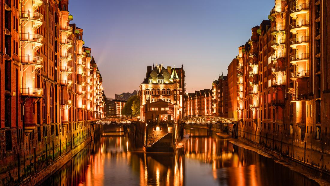 Wasserschloss Speicherstadt in Hamburg - Fineart photography by Michael Stein