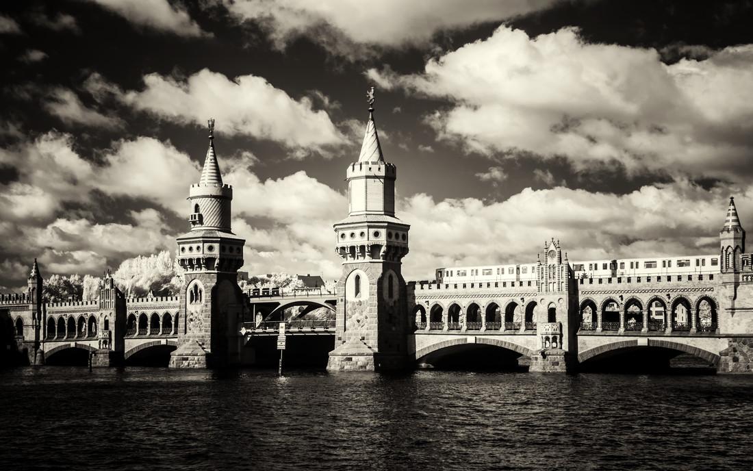 Oberbaumbrücke - Fineart photography by Holger Nimtz