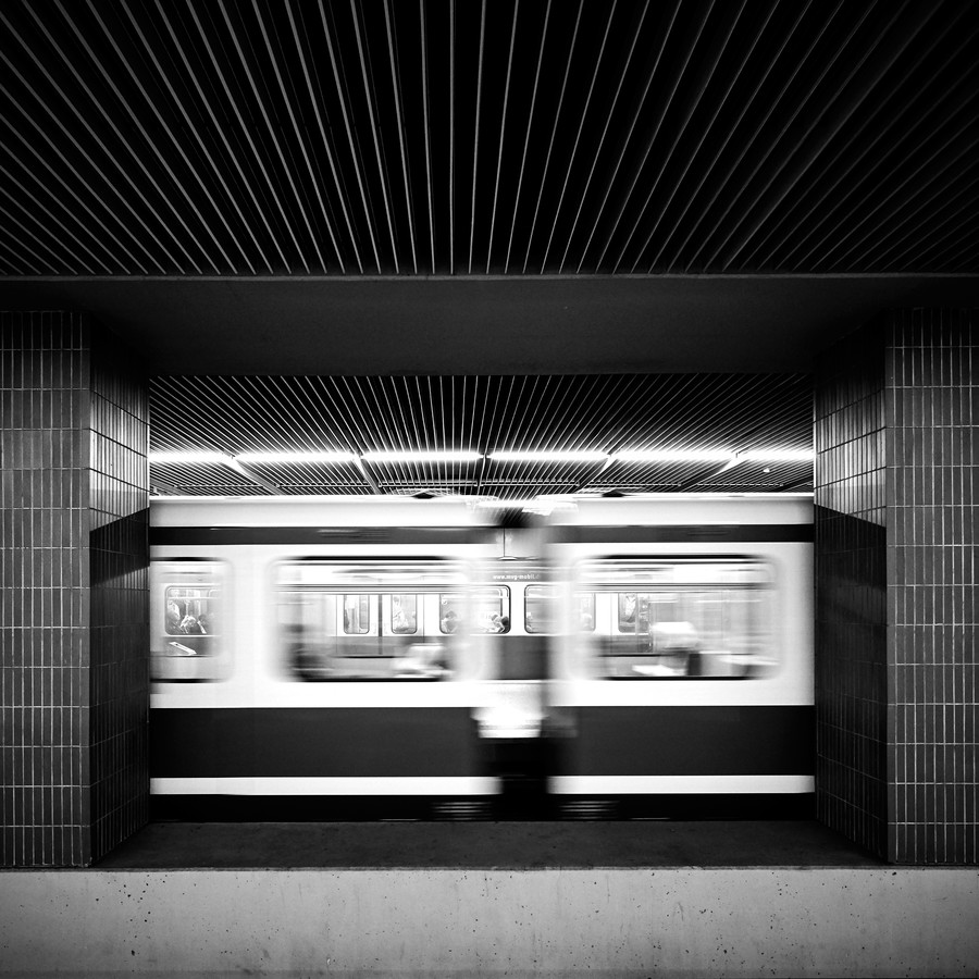 UBahn Rauschen - fotokunst von Richard Grando