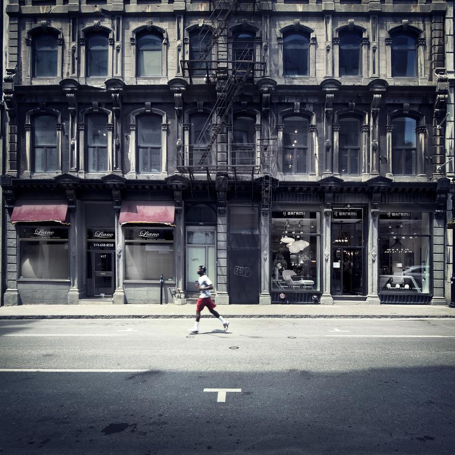 Läufer - Montreal - fotokunst von Ronny Ritschel