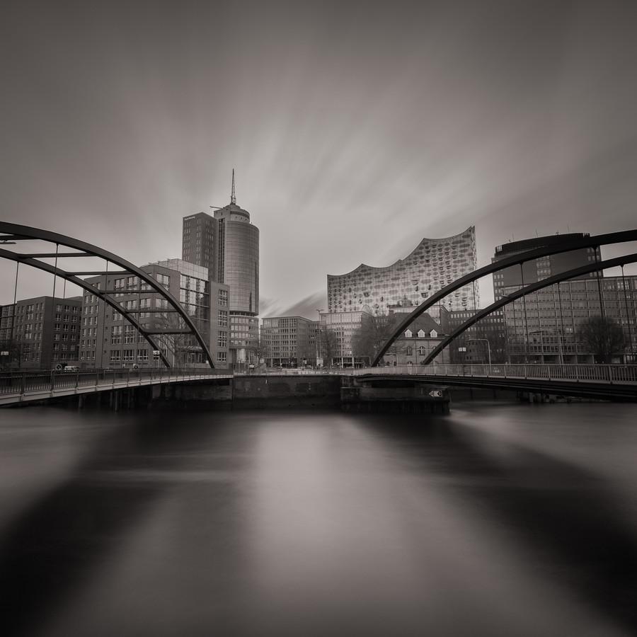 Long exposure Elbphilharmonie - Fineart photography by Dennis Wehrmann