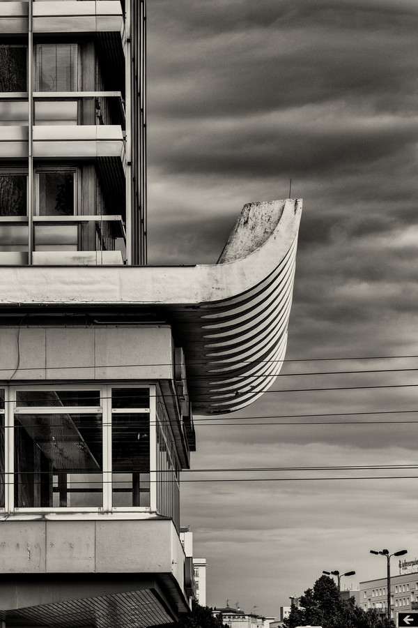 Bogen-Haus am Alexanderplatz - Fineart photography by Oliver Meibert