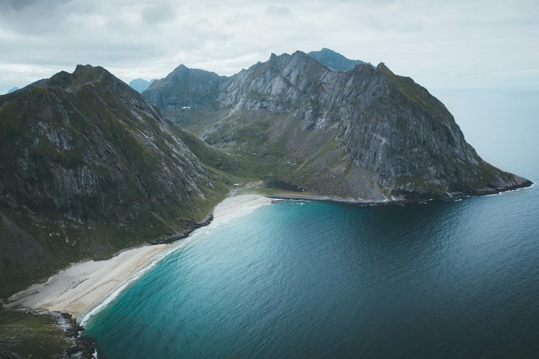 LONE BEACH - fotokunst von Fabian Heigel