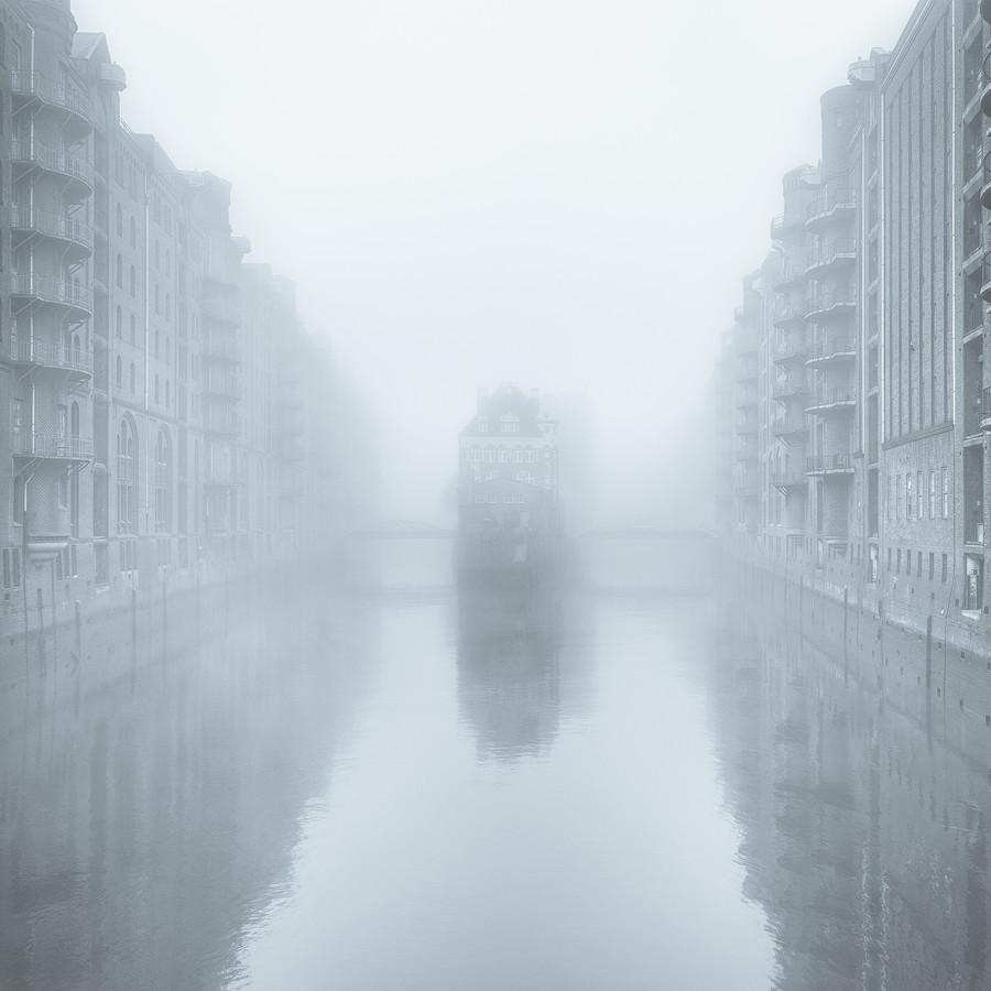 moin hamburch - wasserschloss - Fineart photography by Dennis Wehrmann