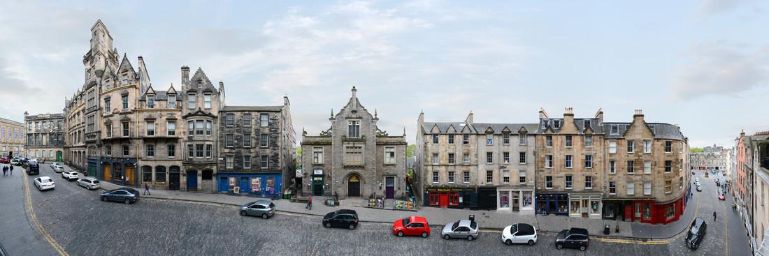 Edinburgh   Victoria Street - fotokunst von Joerg Dietrich