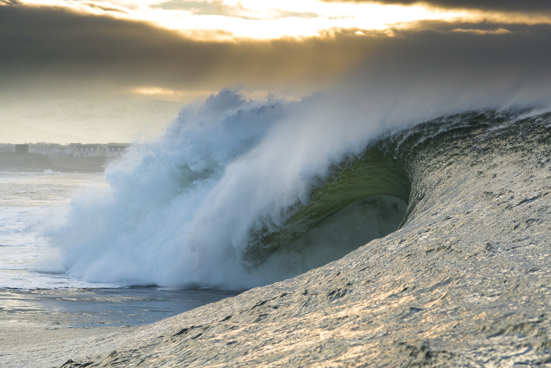 Irish waves - Fineart photography by Lars Jacobsen
