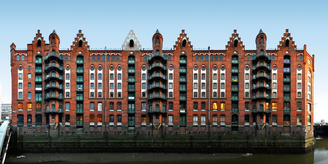 Hamburg   Speicherstadt 1 - fotokunst von Joerg Dietrich