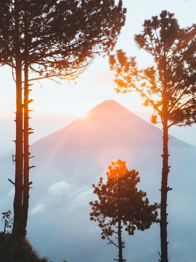 SUNSET VOLCANO - fotokunst von Fabian Heigel