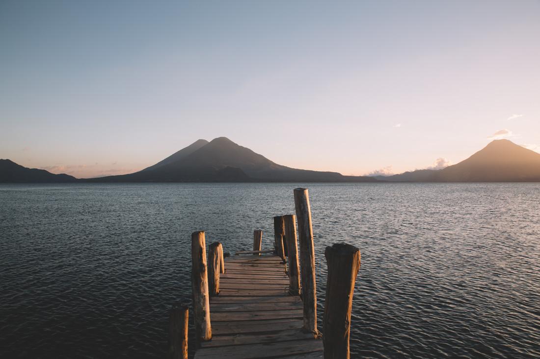 LAKE ATITLAN - fotokunst von Fabian Heigel