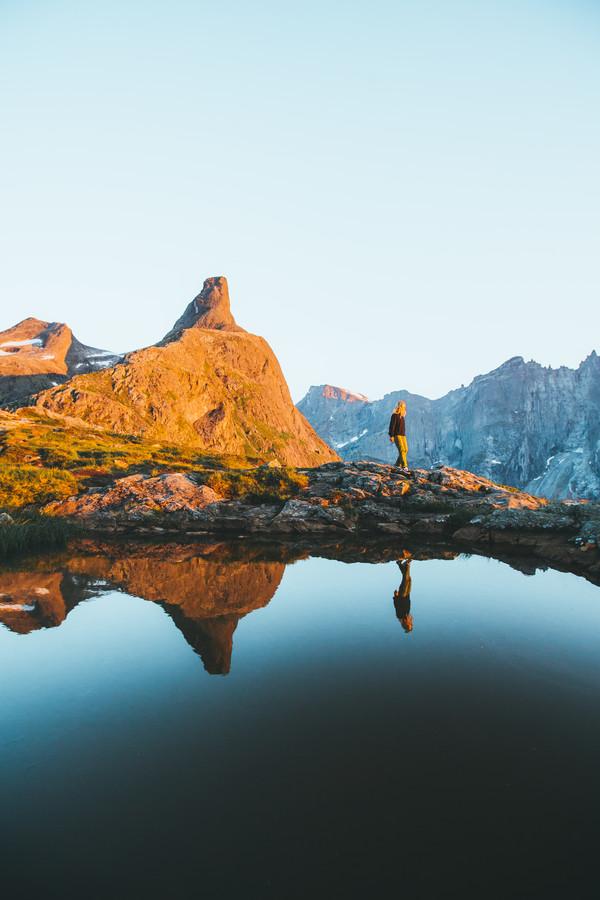 GLOWING PEAK - fotokunst von Fabian Heigel