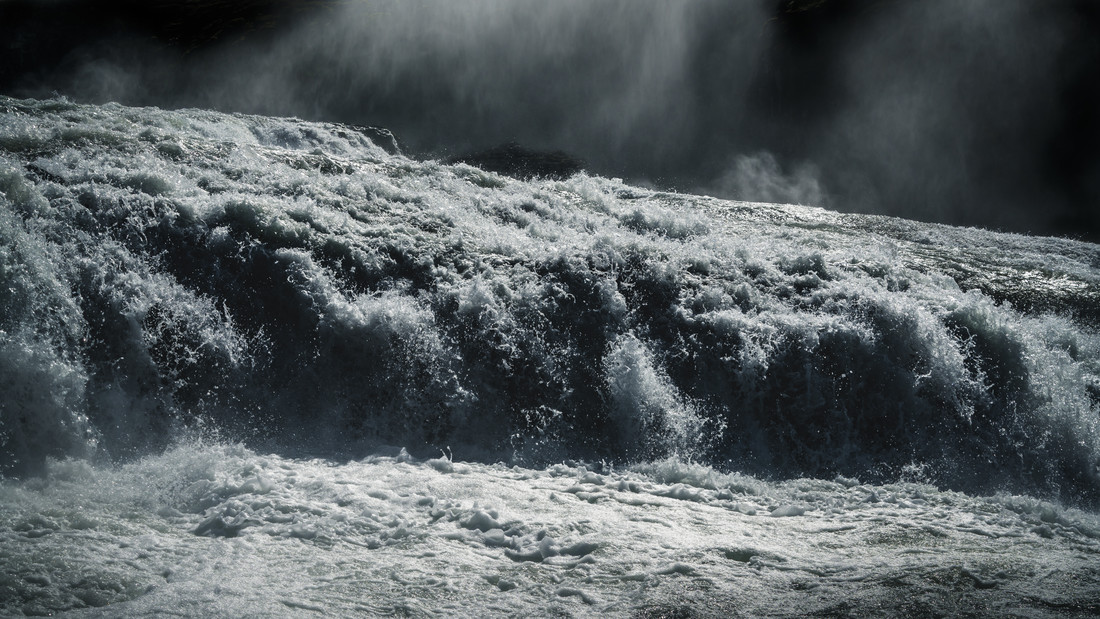 thunderous waters - Fineart photography by Anke Butawitsch