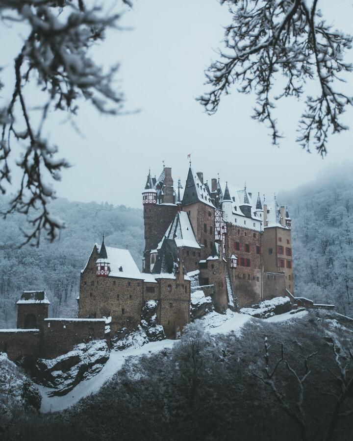 SNOWY CASTLE - fotokunst von Fabian Heigel