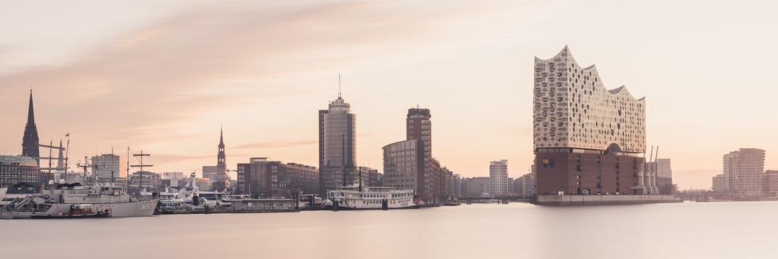 Hamburg Skyline - Elbphilharmonie - Fineart photography by Dennis Wehrmann