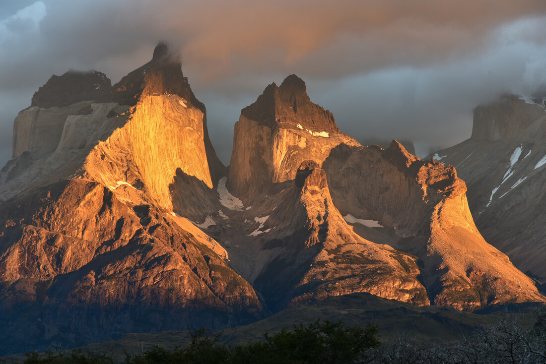 Glowing mountains - Fineart photography by Thomas Heinze