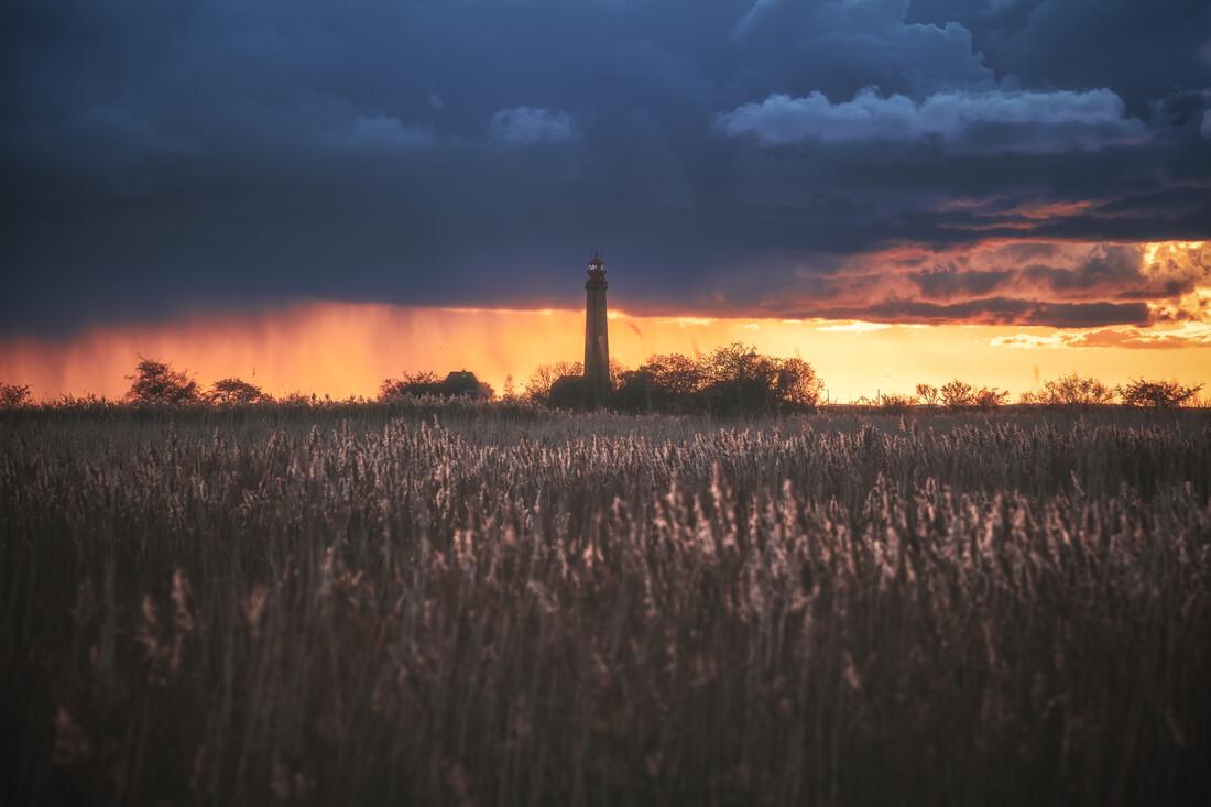 Leuchtturm Flügge - fotokunst von Jean Claude Castor
