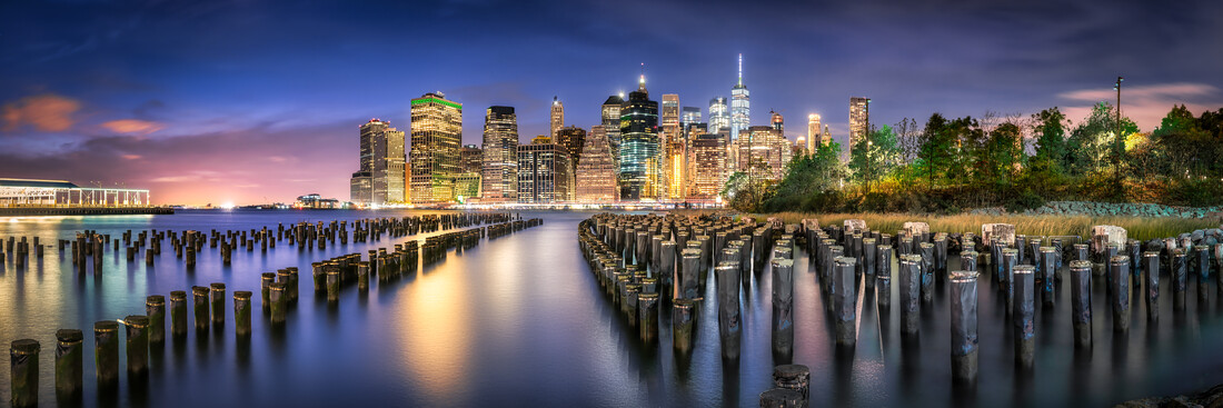 Manhattan Skyline at night - Fineart photography by Jan Becke