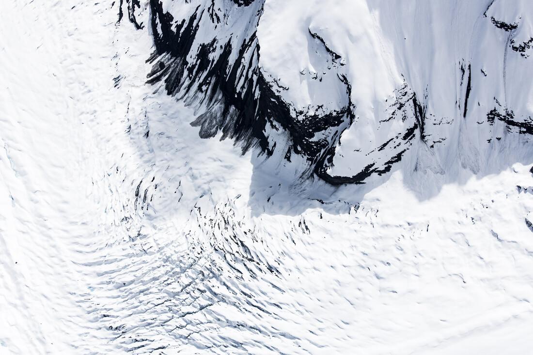 Moving Glacier - Fineart photography by Julian Bückers