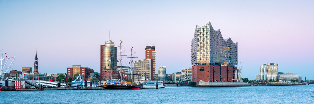 Elbphilharmonie Hamburg - Fineart photography by Jan Becke