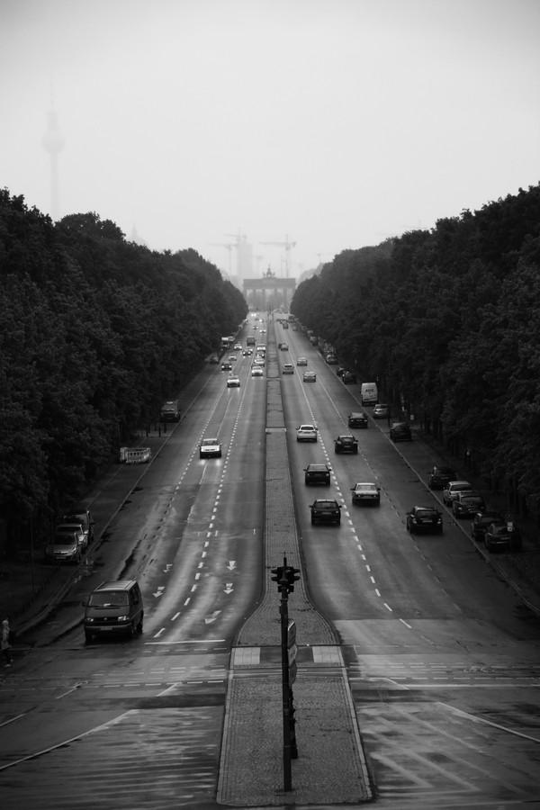 Rainy Day in Berlin  - fotokunst von Tanapat Funmongkol