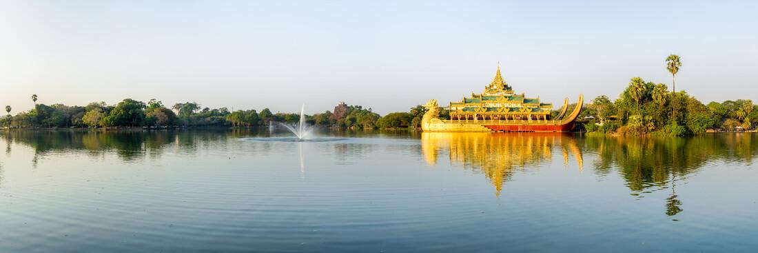 Kandawgyi See in Yangon - fotokunst von Jan Becke