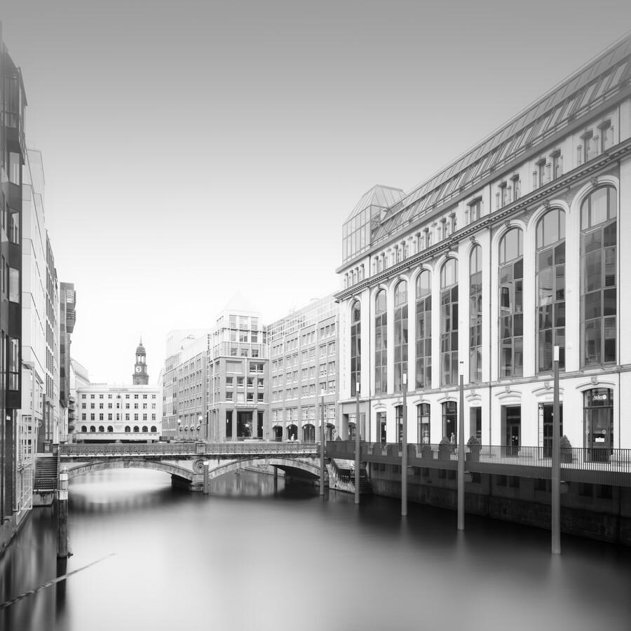 Hamburg Cityscape - Bleichenbrücke - Fineart photography by Dennis Wehrmann