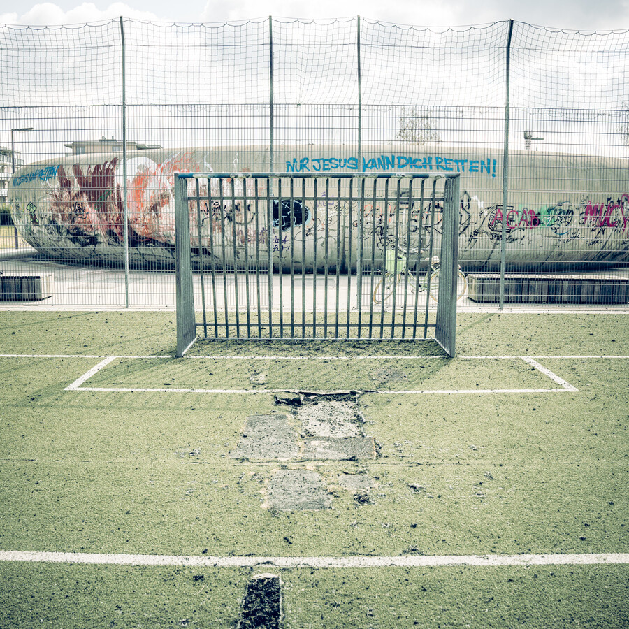ARTIFICIAL GRASS, BOARD FENCE, SKATER BOWL 2021 - Fineart photography by Franz Sussbauer