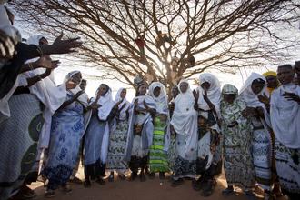 Walter Luttenberger, die feier (Kenya, Africa)