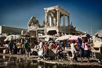 Frank Domahs, Straßenmarkt in Port-au-Prince (Haiti, Lateinamerika und die Karibik)