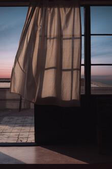AJ Schokora, Moon Shadows (China, Asien)