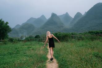 AJ Schokora, Wanderlust (China, Asien)