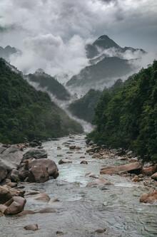 AJ Schokora, River (China, Asien)